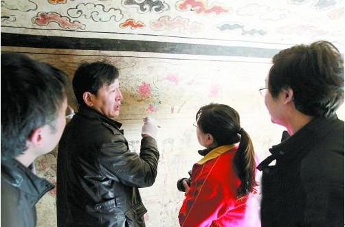 新闻资讯-我市明代彩绘壁画墓壁画确定采取揭取保护方案的首个工作日